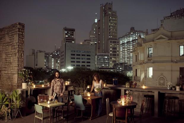 Que tal aproveitar o verão para conhecer bares com terraço? No Centro de São Paulo tem vários