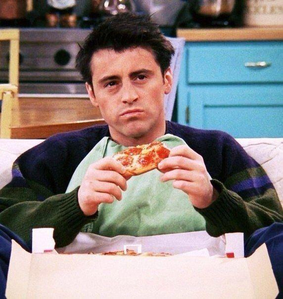 Personagem da sitcom mais famosa do mundo, Friends, Joey era a representação desse morador de Nova York que não sabe viver sem pizza | Foto: Reprodução Internet
