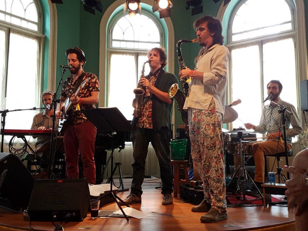 Casa de Francisca tem um espaço dedicado à música independente e também artistas renomados | Foto: A Vida no Centro